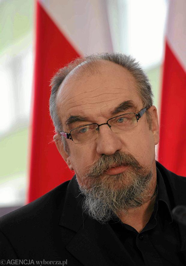 %Premier Glinski przedstawia ekspertow