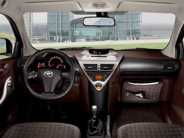 Toyota iQ (fot. Toyota)