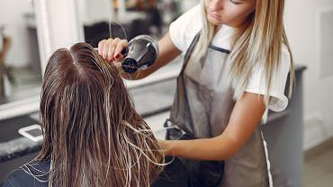 Jaka fryzura ci pasuje? Możesz to sprawdzić w domu za pomocą pewnej sztuczki