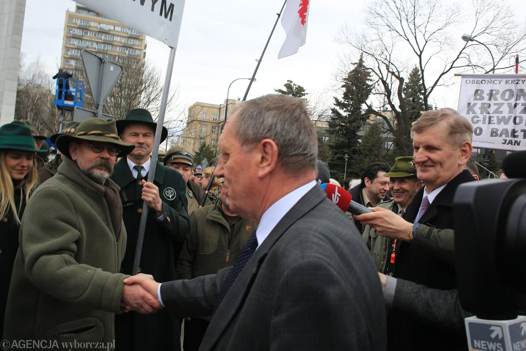 Manifestacja poparcia dla ministra Szyszki