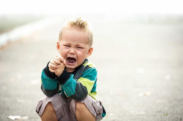 """""""Mamo, bo on powiedział kura przez w"""". Co robić, kiedy dziecko przeklina?"""