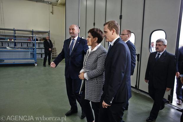 Szydło i Macierewicz w łódzkich zakładach WZL
