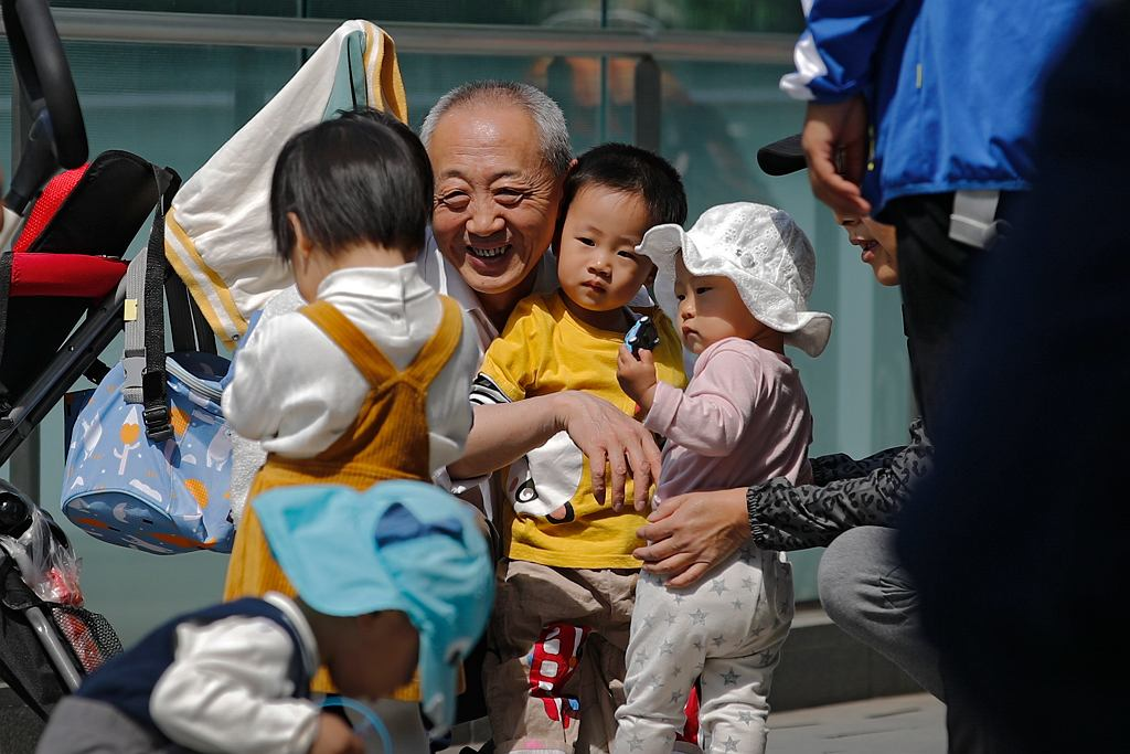 Chiny luzują politykę planowania rodziny