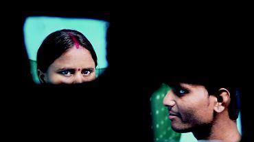 Niebezpieczne związki: Aarti i Sanjay