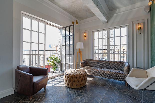 Betonowe pomysły na dekorację ściany, podłogi i sufitu: top 5