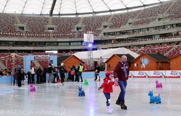 Stadion Narodowy. Pierwszy dzień działania ślizgawek w ramach akcji 'Zimowy Narodowy' 2016
