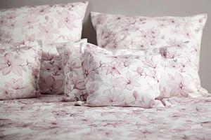 Pościel w kwiaty - odśwież wnętrze swojej sypialni i przedłuż lato