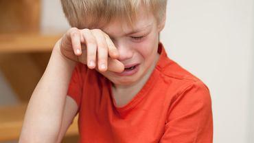 Zapłakany przedszkolak
