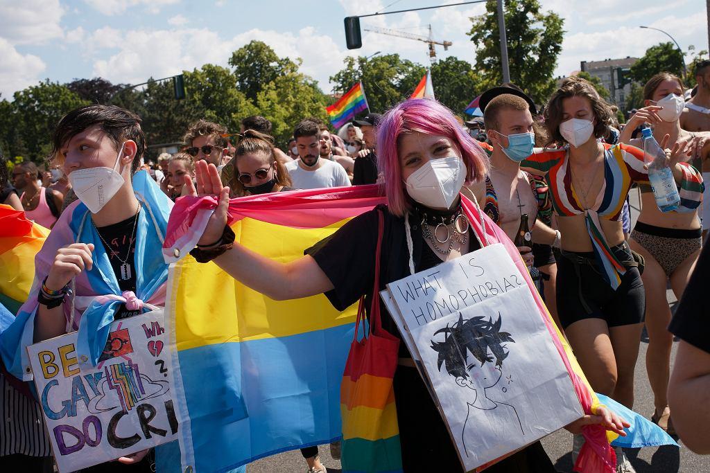 Parada w Berlinie w ramach Pride Month / czerwiec 2021 r.