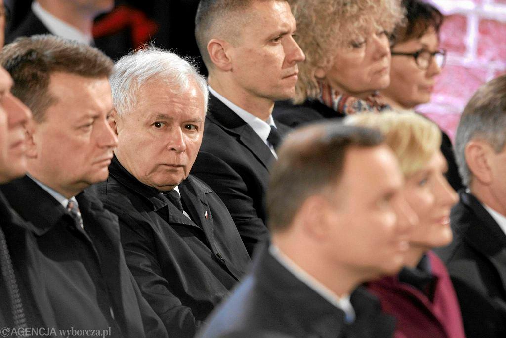 Uroczystości 1050. rocznicy chrztu Polski. Prezes Kaczyński i prezydent Duda w poznańskiej Katedrze