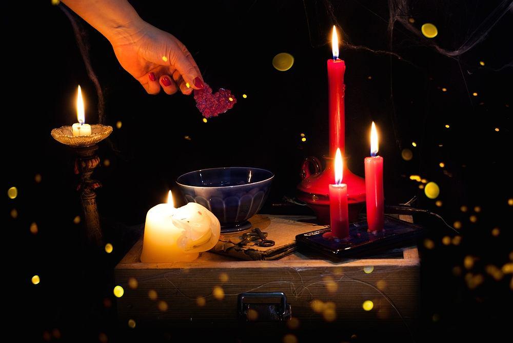 Andrzejki to wieczór, który świętuje się z 29 na 30 listopada. To ostatnia przed adwentem okazja do hucznych zabaw i świętowania