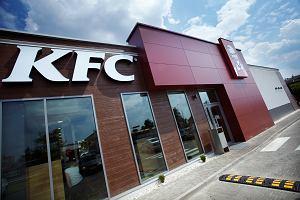 Fast food osiągnął właśnie nowy poziom. KFC w Stanach serwuje burgery z donutami zamiast bułek