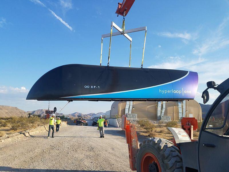 Hyperloop przeszedł pierwszą próbę