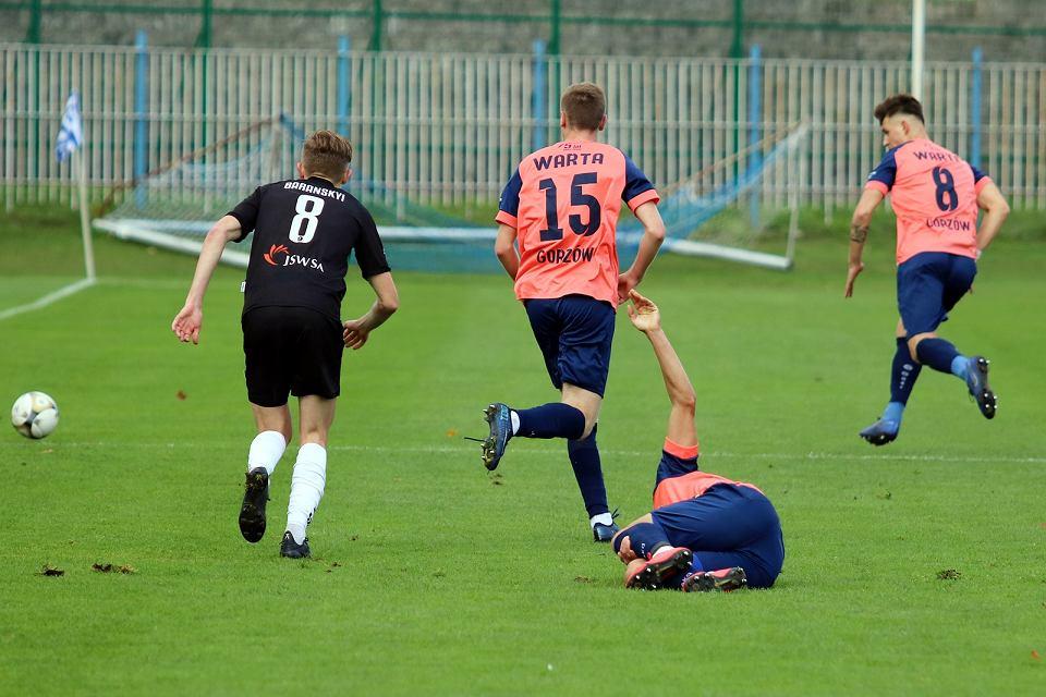 Zdjęcie numer 40 w galerii - Bez bramek w meczu piłkarzy Warty Gorzów, rozgrywanym przy pustych trybunach [ZDJĘCIA]