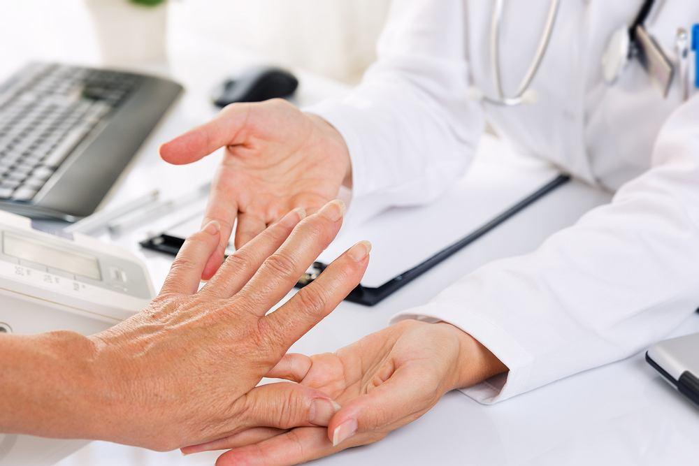 Czynnik reumatoidalny bada się z próbki krwi