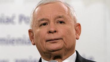 Jarosław Kaczyński - musi go frustrować sytuacja po podliczeniu głosów