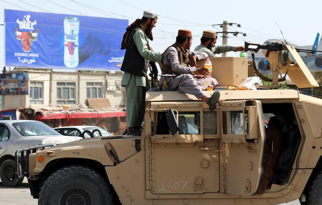 Talibskie bojówki na ulicach Kabulu, Afganistan, 16 sierpnia 2021 r.