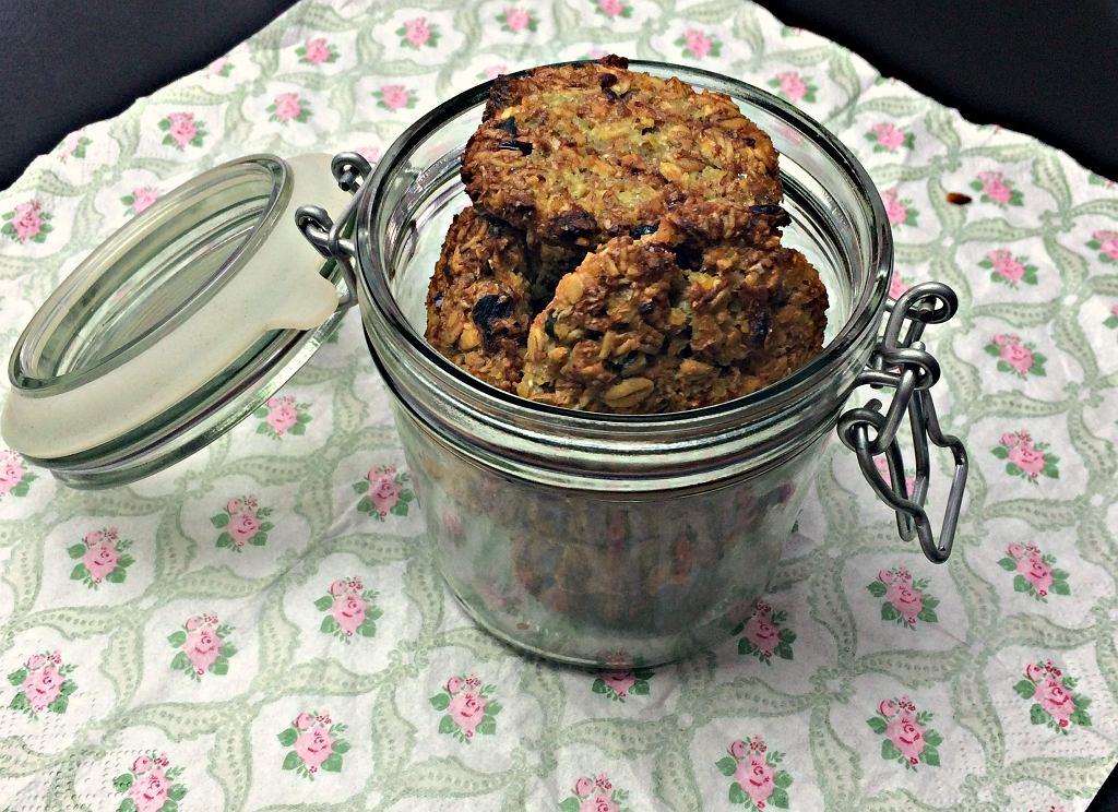 Ciasteczka jaglane są zdrowe i bardzo proste do wykonania