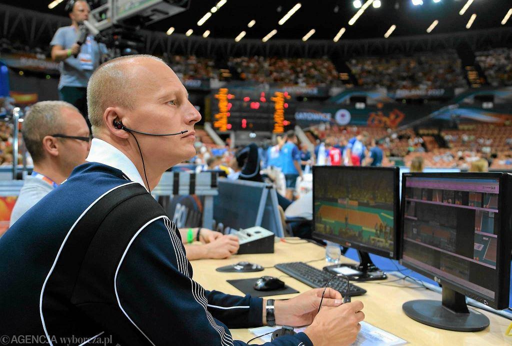 Wojciech Maroszek był sędzią challengowym podczas meczu Włochy - Belgia w katowickim Spodku