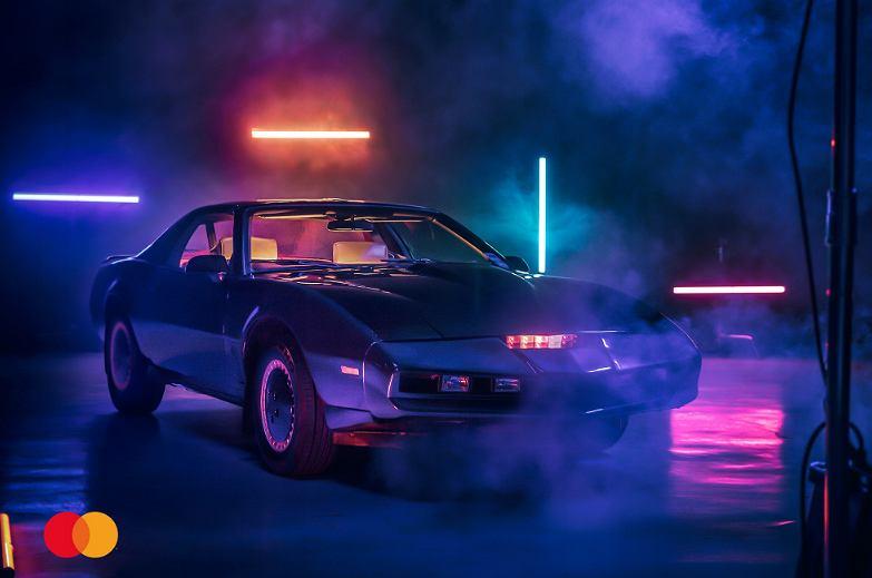 Samochód-legenda z serialu 'Knight Rider' trafił na aukcję WOŚP