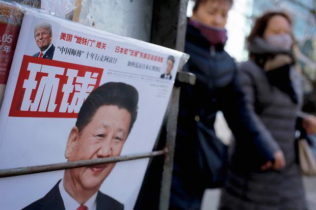 Chińska prasa - na pierwszej stronie zdjęcie Xi Jinpinga i Donalda Trumpa, Pekin 9 lutego 2017