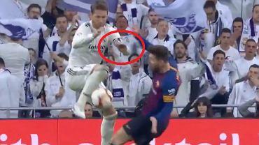 Sergio Ramos uderza Messiego
