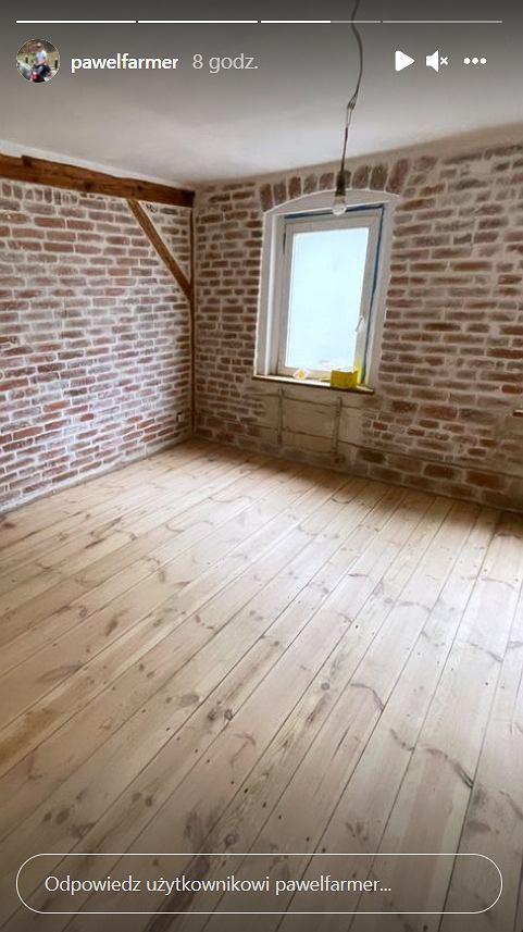Paweł Bodzianny z 'Rolnik szuka żony' pokazał jedno z wyremontowanych pomieszczeń wspólnego mieszkania z Martą Paszkin