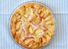 Złociste menu dnia z nektarynkowym ciastem