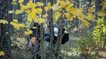 10.10.2021 Szymki, las w pobliżu. Zatrzymany przez Straż Graniczna uchodźca, zapakowany do samochodu i prawdopodobnie odwieziony na granice w ramach pushback błagał o niewywożenie na granice z Białorusią