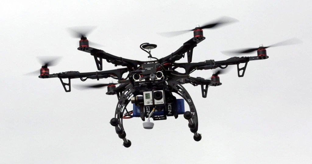 Dron ratunkowy podczas demonstracji w Brigham City w stanie Utah