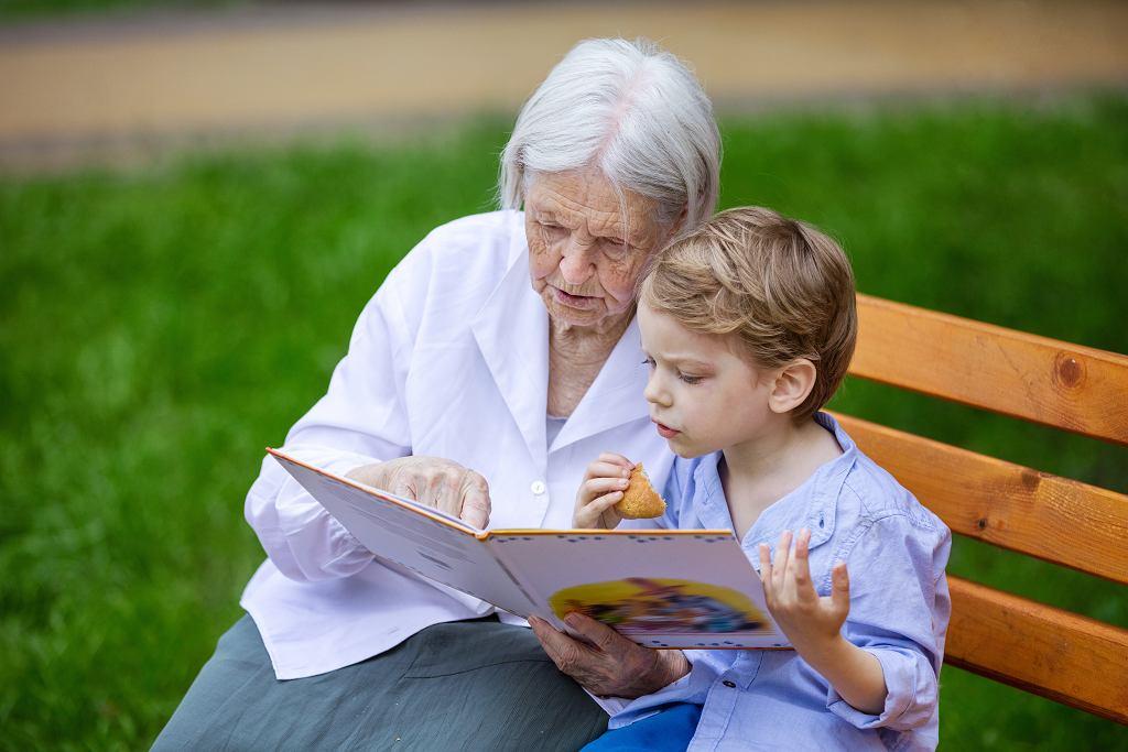 Życzenia na Dzień Babci 2021. Skorzystaj z naszych propozycji rymowanych i tradycyjnych życzeń