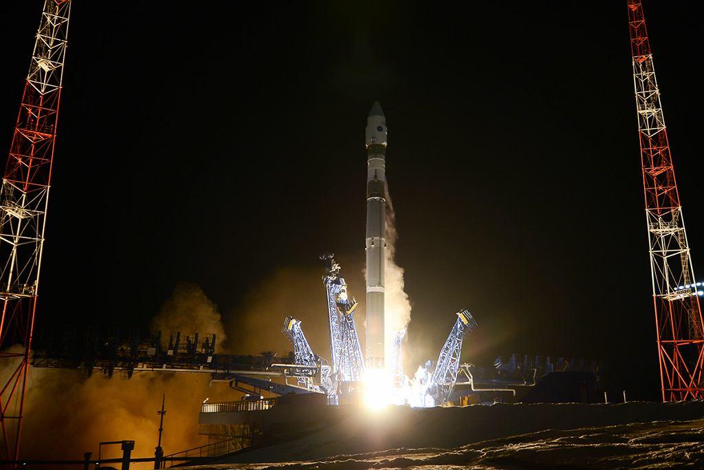 Start rakiety Sojuz 2-1v z satelitą Kosmos-2542