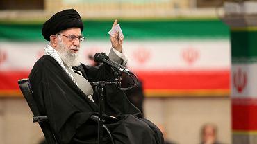 Iran. Ajatollah Ali Chamenei, najwyższy duchowy przywódca Iranu.