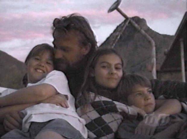 Kevin Costner z dziećmi