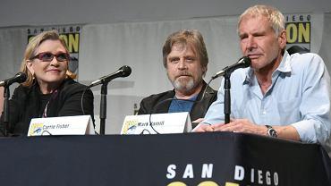 """W filmie """"Gwiezdne wojny: Przebudzenie Mocy"""", który do polskich kin wejdzie w grudniu 2015 roku, pojawią się postaci znane z poprzednich części: Leia (Carrie Fisher), Luke (Mark Hamill) i Han Solo (Harrison Ford)..."""