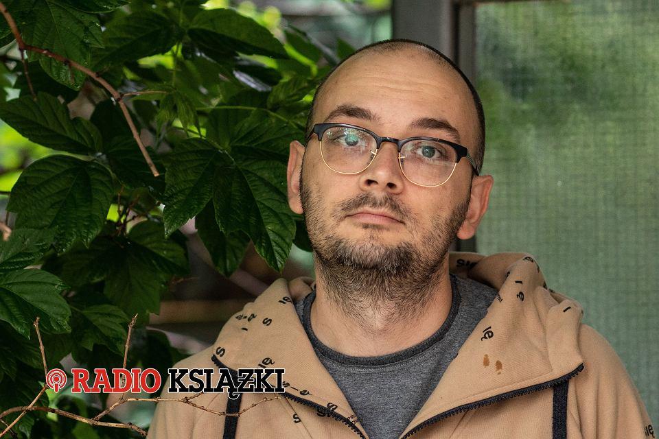 Zdjęcie numer 1 w galerii - Reporter stworzył fikcję. Filip Springer w Radiu Książki