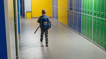 Pandemia koronawirusa. Powrót do szkół (z nauczania zdalnego, po lockdownie) uczniów klas 1-3. SP nr 57, Gdański, 18 stycznia 2021