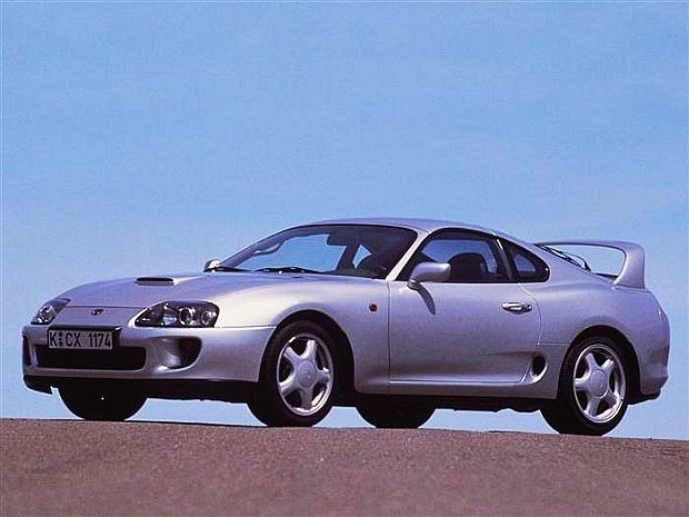 Pierwsze dwie generacje oparte zostały na modelu Celica. Nosiły nazwę Toyota Celica Supra