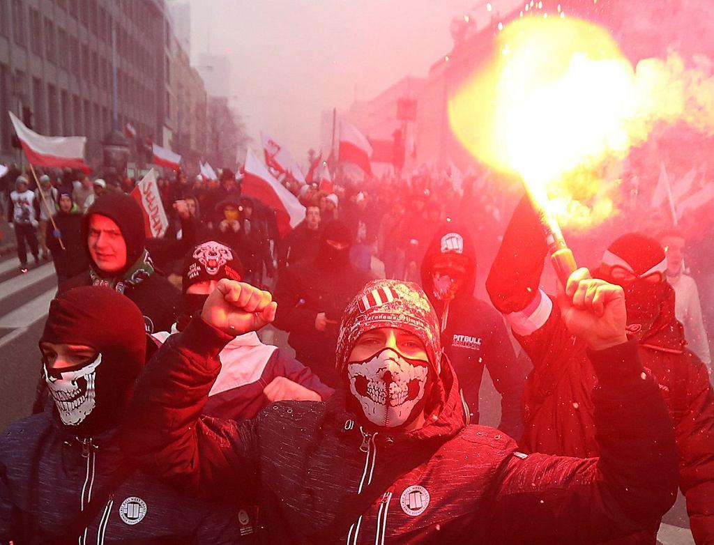 Marsz Niepodległości w Warszawie organizowany przez środowiska prawicowe, 11 listopada 2017..