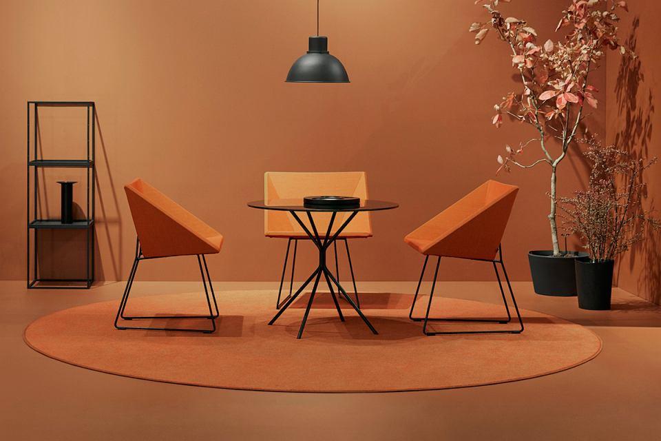 Współczesny model fotela RM57.