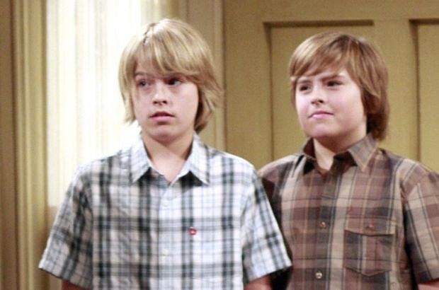 ACCORDING TO JIM, Larry Joe Campbell, Jim Belushi, Cole Sprouse, Dylan Sprouse, I Drink Your Milkshake, (Season 7, aired April 22, 2008), 2001-09, photo: Ron Tom / ?Touchstone Television / courtesy Everett Collection