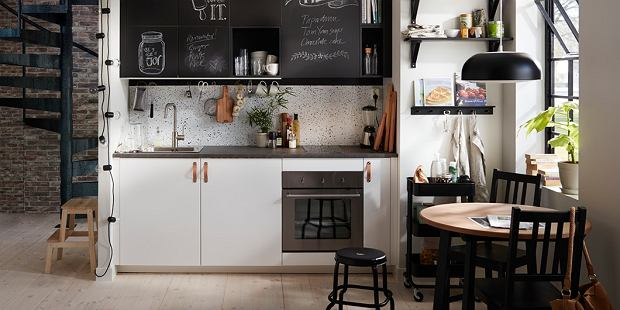Krzesła idealnie dopasowane do stylu kuchni