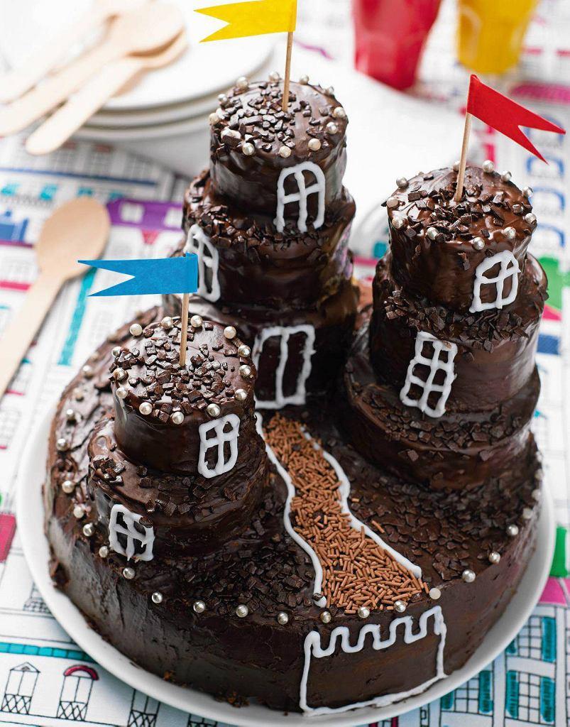 Tort czekoladowy zamek