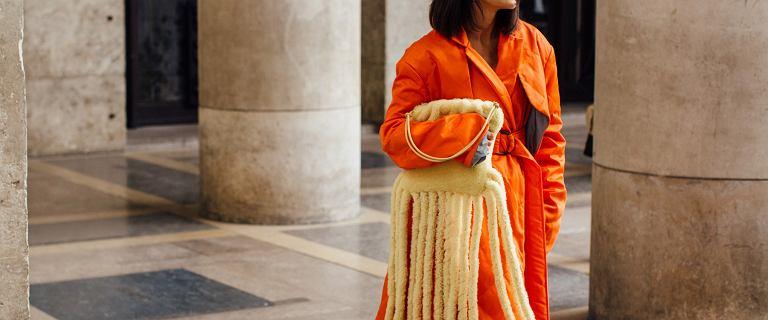 Kolor pomarańczowy w damskich stylizacjach nigdy nie wyjdzie z mody! Zobacz najmodniejsze ubrania i dodatki w żywej kolorystyce!