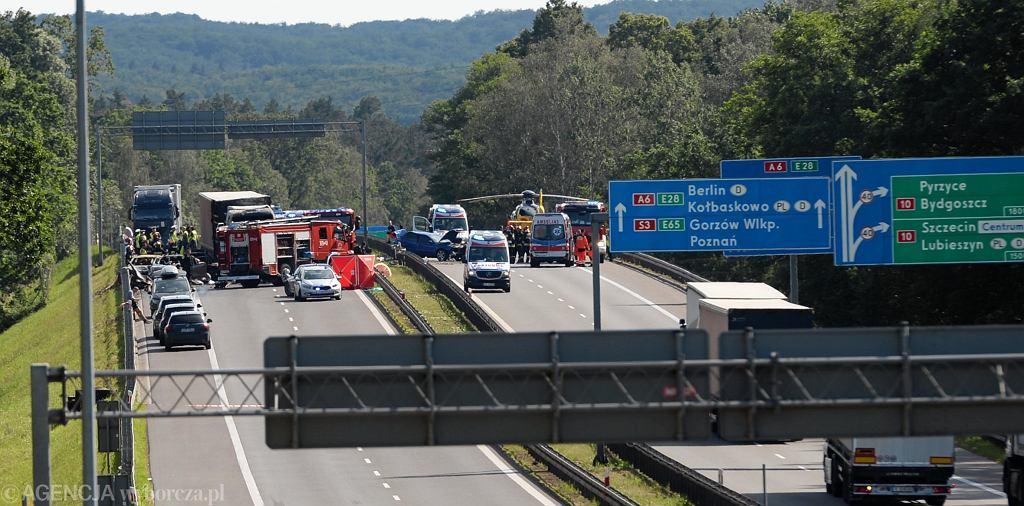 Wypadek pod Szczecinem na A6. Policja apeluje o pomoc