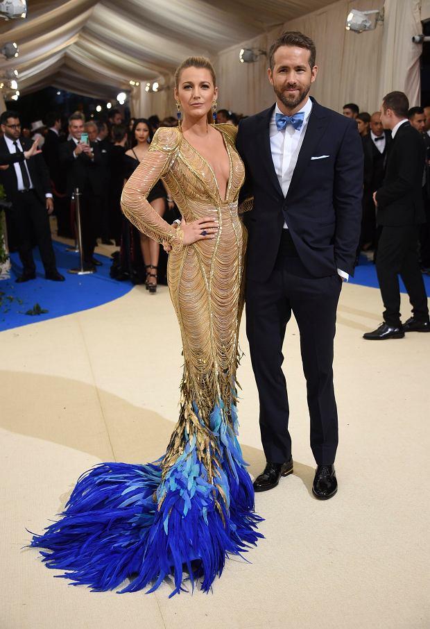 Zdjęcie numer 10 w galerii - MET Gala 2017. Jennifer Lopez z nowym partnerem i Rihanna w najdziwaczniejszej kreacji wieczoru