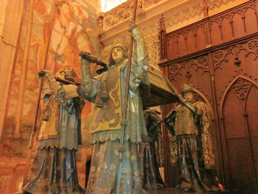Sewilla, Grobowiec Krzysztofa Kolumba