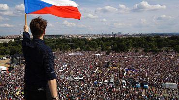 23.06.2019, Praga, wielotysięczna manifestacja przeciwko premierowi Andrejowi Babiszowi.