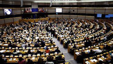 Obrady europarlamentu w czasach przed epidemią koronawirusa