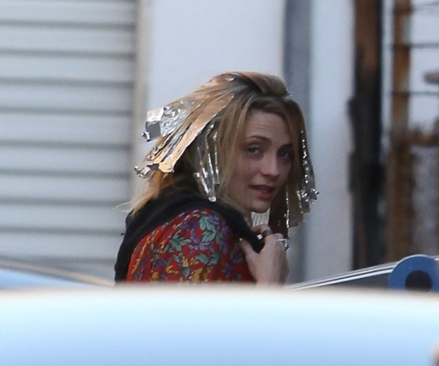 Mischa Barton getting highlights at hair Salon in Beverly Hills, California. Mischa spent 7 hours at the salon and couldn't resist stepping outside for a smoke break.  Pictured: Mischa Barton